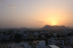 1.1404134744.sunset-udaipur