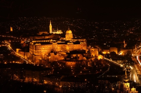 1.1426664983.1-budapest-at-night