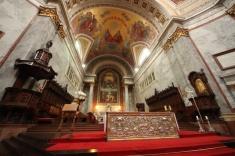 1.1426664983.inside-the-church