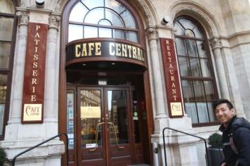 1.1426921544.cafe-central