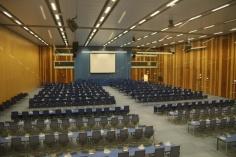 1.1426921544.un-conference-room
