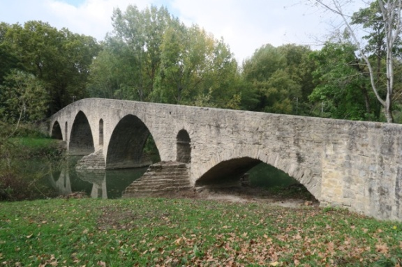 3.1444750096.the-bridge-into-pamplona