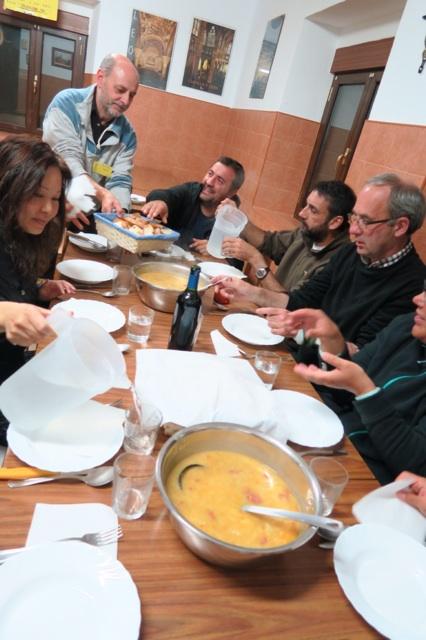 3.1445957497.communal-dinner