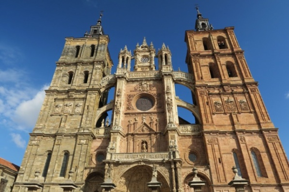 3.1446396783.astorga-cathedral