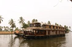1.1403174258.2-houseboat